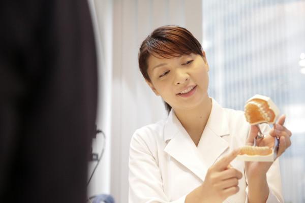 横浜マウスピース矯正歯科先生