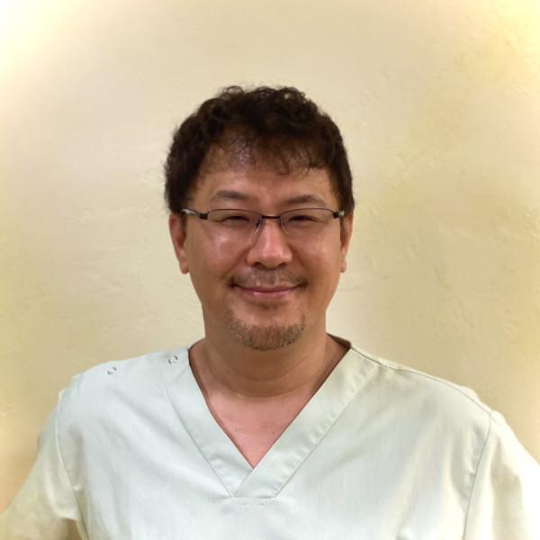 やまもと歯科院長 デンタルネットワーク株式会社 代表取締役 歯科医師 山本 伸彦