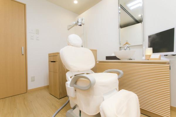 ホワイトエッセンス京都四条通り矯正歯科診察室2