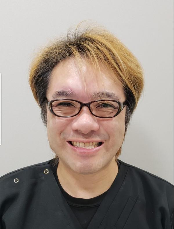 こが歯科クリニック院長 古賀愼太郎
