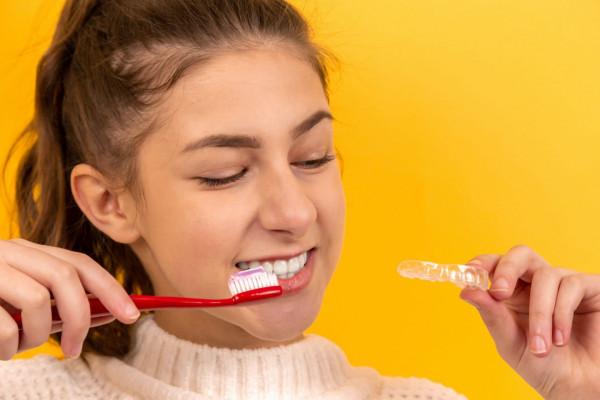 歯列矯正中に虫歯になりやすい理由