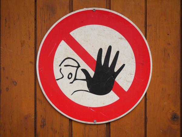 マウスピース矯正中にホワイトニングをする際の注意点